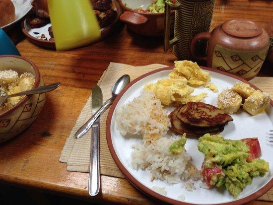 Yellow River: Breakfast with banana pancakes!