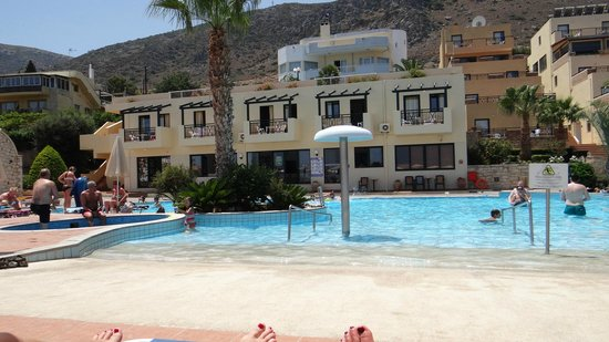 Asterias Village Resort : zwembad