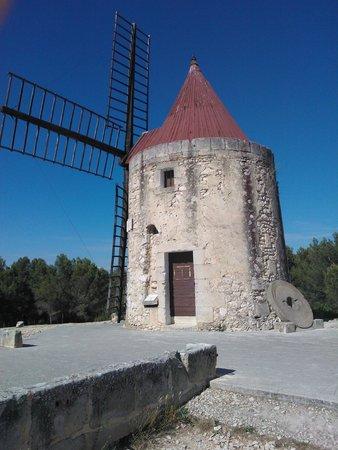 Moulin de Daudet: The windmill ...