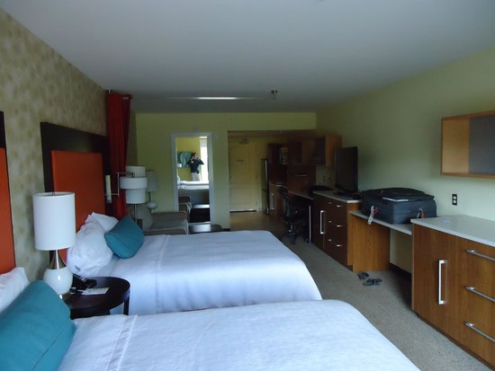 Home2 Suites by Hilton Charlotte I-77 South: Large Beds