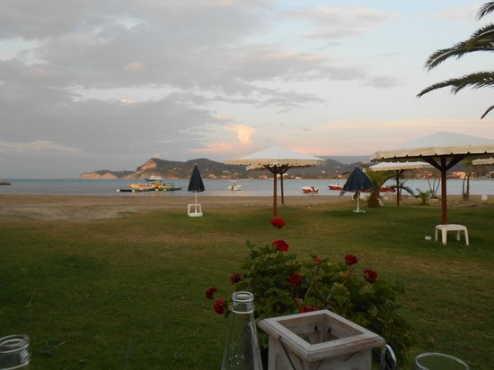 Hotel Astoria Sidari: View of the beach from the restaurant