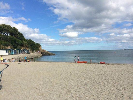 Lyonesse Guest House: Falmouth's beautiful Swanpool Beach - 10 minute's walk away