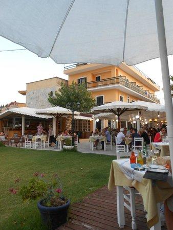 Hotel Astoria Sidari: Restraunt/bar