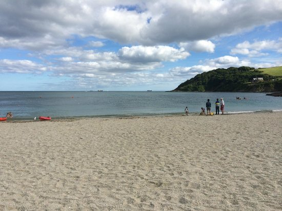 Lyonesse Guest House: Falmouth's beautiful Swanpool beach - 10 minutes walk away