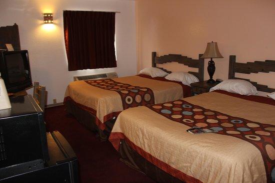 Super 8 Taos : Room