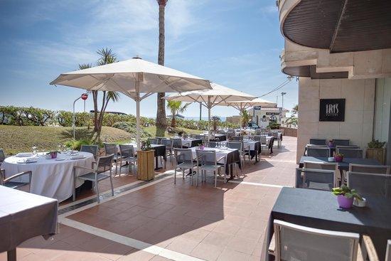 Restaurante Iris Gallery: Terraza restaurante de día