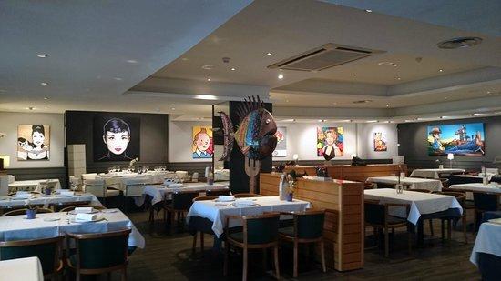 Restaurante Iris Gallery: Salon restaurante