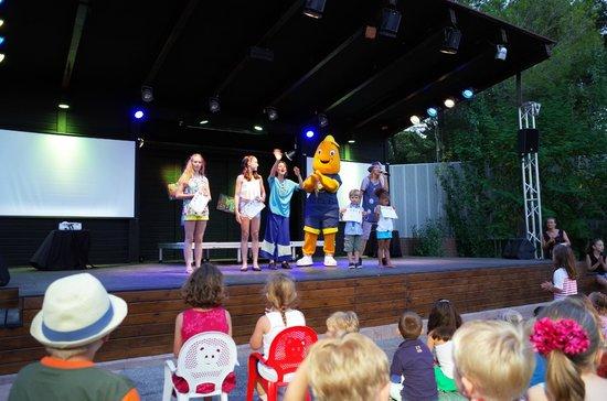 Iberostar Pinos Park: Die allabendliche Medaillen-Verleihung mit Mini-Disco