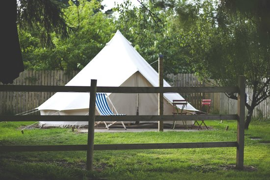 Killarney Glamping at Grove: Our secluded Anniversary tent