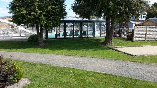 Camping aux Pommiers: piscine