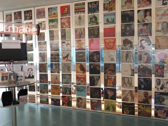 Bibliothèque centrale (Openbare Bibliotheek) : Vinyl section