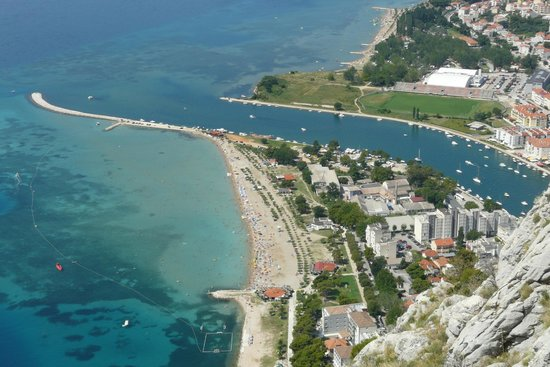 Hotel Plaza Omis : Plaza from hills above; hotel is at bottom of picture