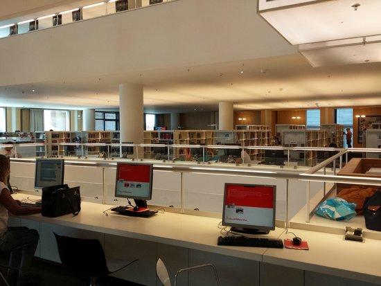 Bibliothèque centrale (Openbare Bibliotheek) : Postazioni pc