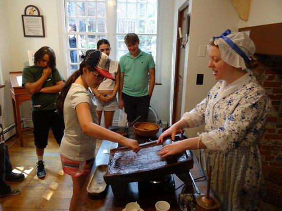 Captain Jackson's Historic Chocolate Shop: Making some chocolate!