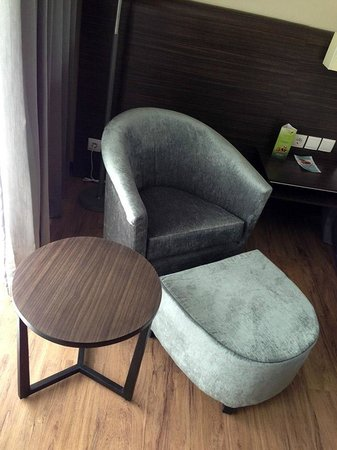 Estrella Hotel & Conference: Room Lounge Chair