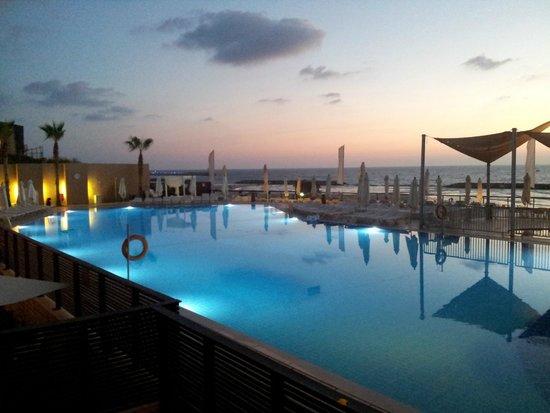 Daniel Herzliya Hotel : הנוף מהחדר בערב