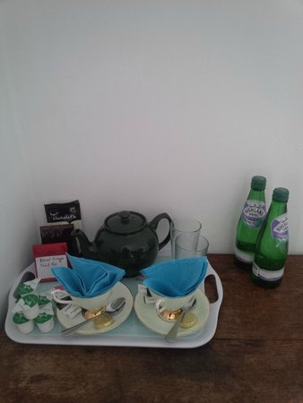 Shelley Bridge Street Guest House: Tea and coffee making facilities