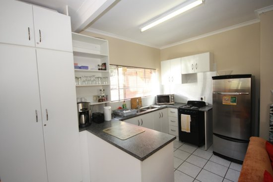Marren House : Kitchen in self catering unit