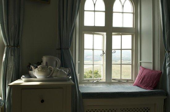 Glandyfi Castle : Osprey room