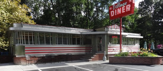 Village Diner : Sparkling clean inside and out