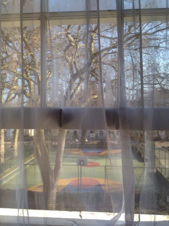 Macdonald Hotel : The window