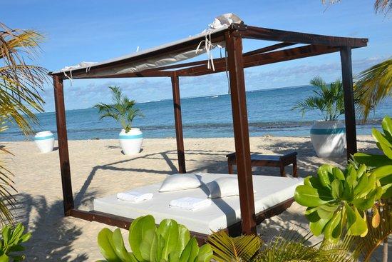 Beachcomber Dinarobin Hotel Golf & Spa: Beach gazebo
