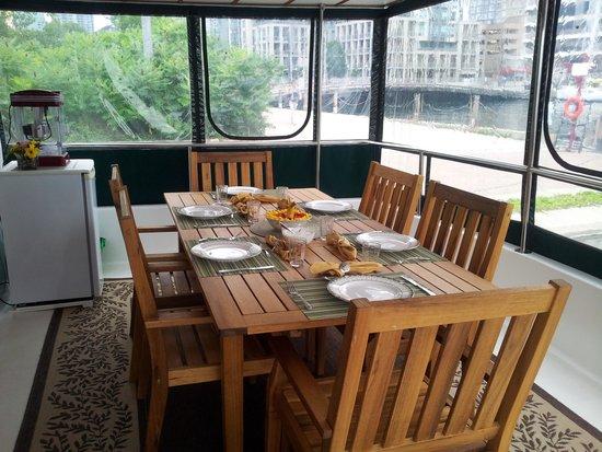 Making Waves Boatel: New table on the breakfast sunroom