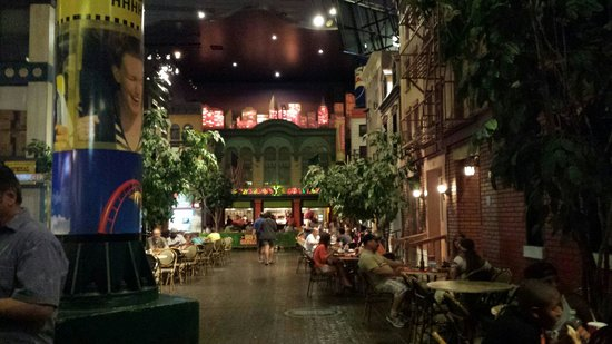 New York - New York Hotel and Casino : Food area
