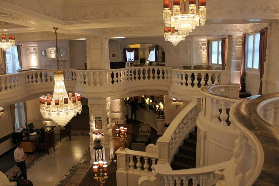 St. Ermin's Hotel, Autograph Collection: Looking down into the lobby