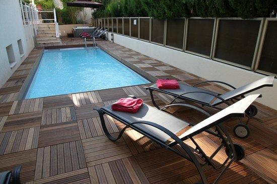 Hotel Cannes Gallia: Vue piscine