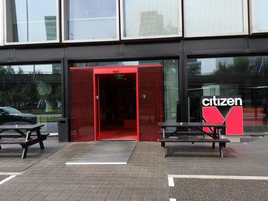 citizenM Amsterdam: Entrata