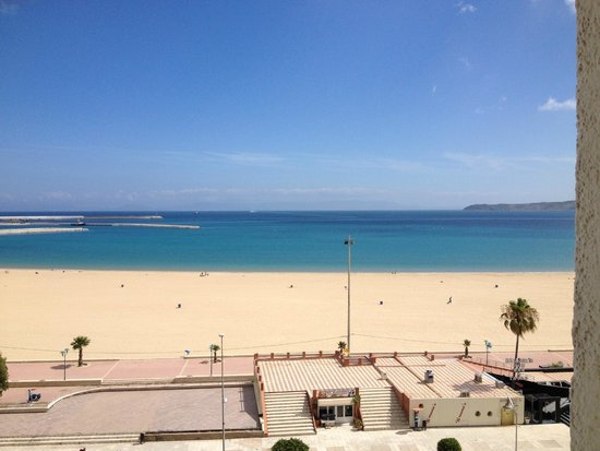 Kenzi Solazur: View from our room.  Beach is right across street from hotel.