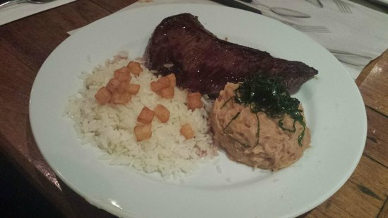 Santo Scenarium Bar e Restaurante: Picanha com pure de banana e arroz ao queijo coalho! Uma delícia!