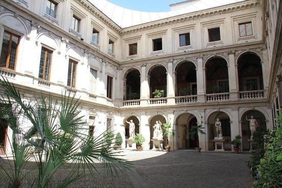 Museo Nazionale Romano - Palazzo Altemps: Palazzo Altemps