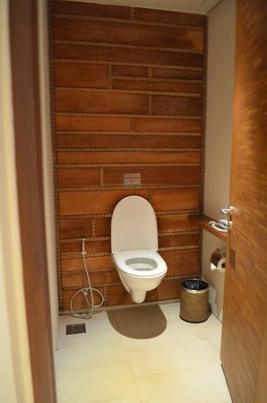 Centara Grand Mirage Beach Resort Pattaya: Туалет