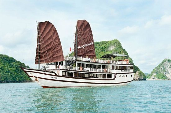 The Viet Beauty Cruise