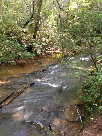 Chattooga River Resort & Campground : Beautiful Long Creek Running Through Campground