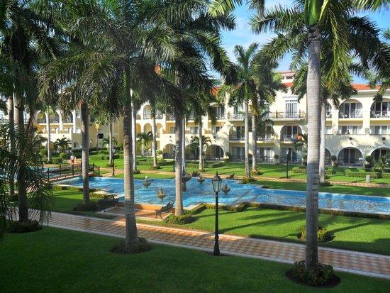 Hotel Riu Palace Mexico : FUENTE CENTRAL DEL COMPLEJO