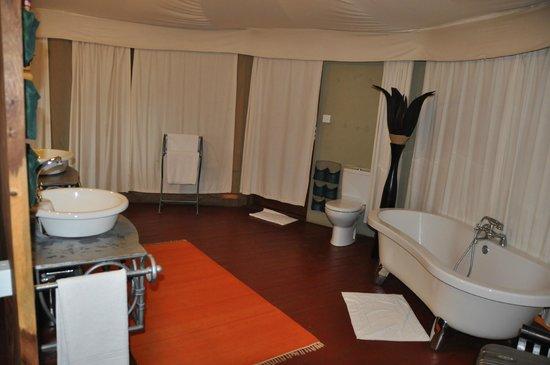 Masek Tented Camp: Salle de bain