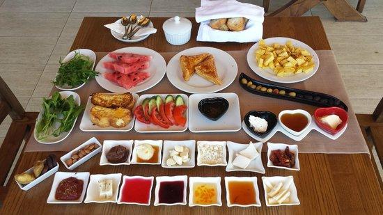 Lissiya Hotel: Frühstück