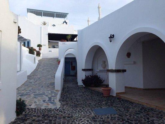 Aethrio Hotel