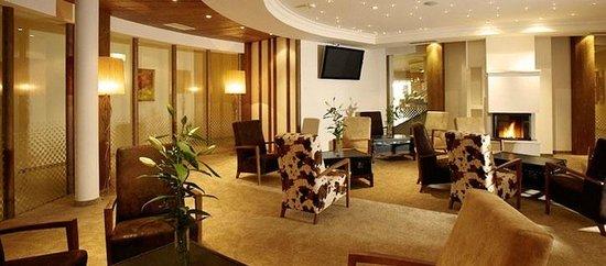 Hopfgarten: Hotelhalle