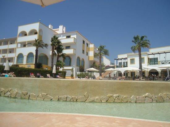 Vale d'El Rei Suite & Villas Hotel: Piscina