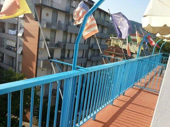 Hotel Brennero e Varsavia: le balcon d'un des chambre