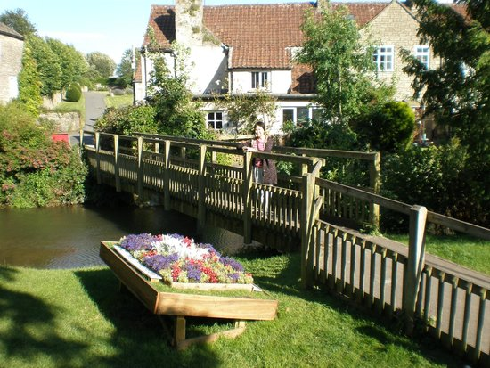 The George at Nunney: Footbridge from Nunney at Frome Village to the castle