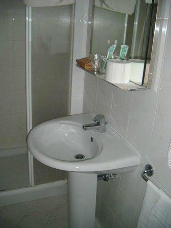 Hotel Brennero e Varsavia: salle de bains