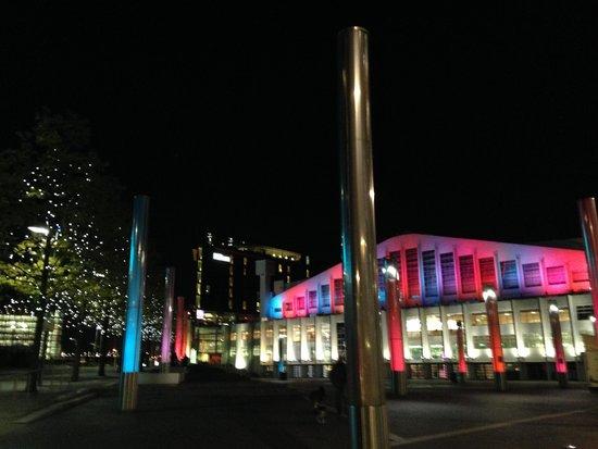 London Designer Outlet - walking toward Wembley Park Tube