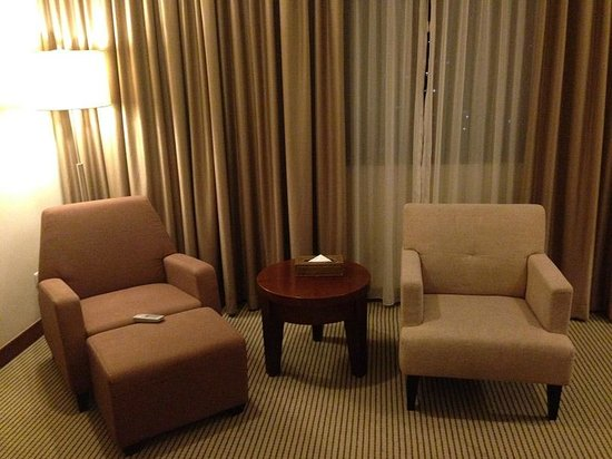 Grands I Hotel : Lounge Chairs inside the room