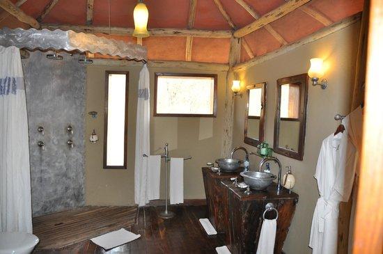 Tarangire Treetops: salle de bain