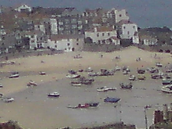 Polmanter Touring Park: St Ives only a 20 minute walk